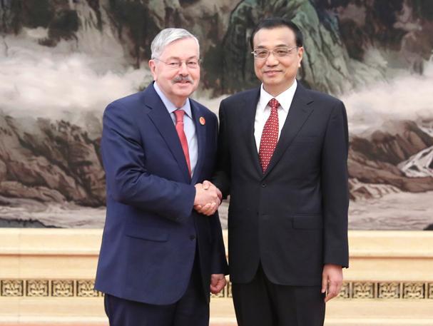 李克强会见40国新任驻华使节